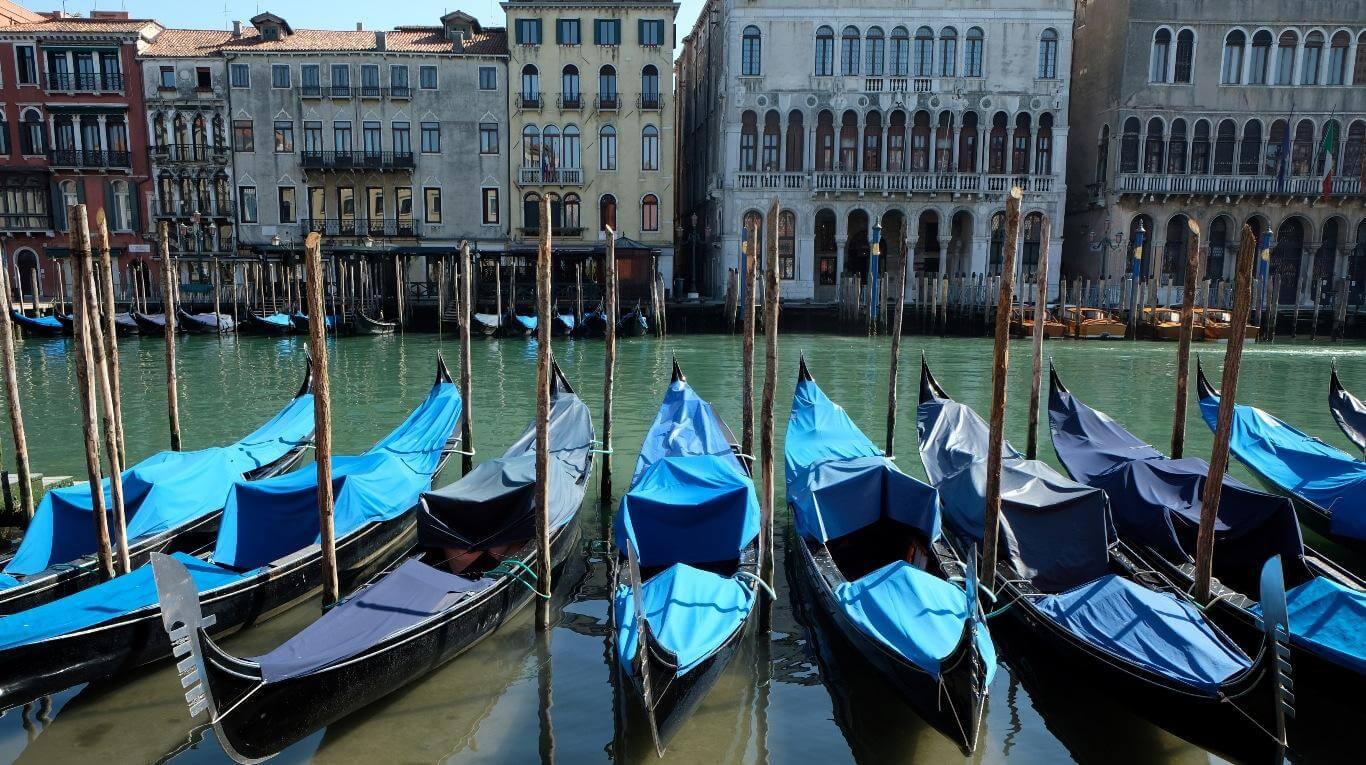 Aguas cristalinas en Venecia